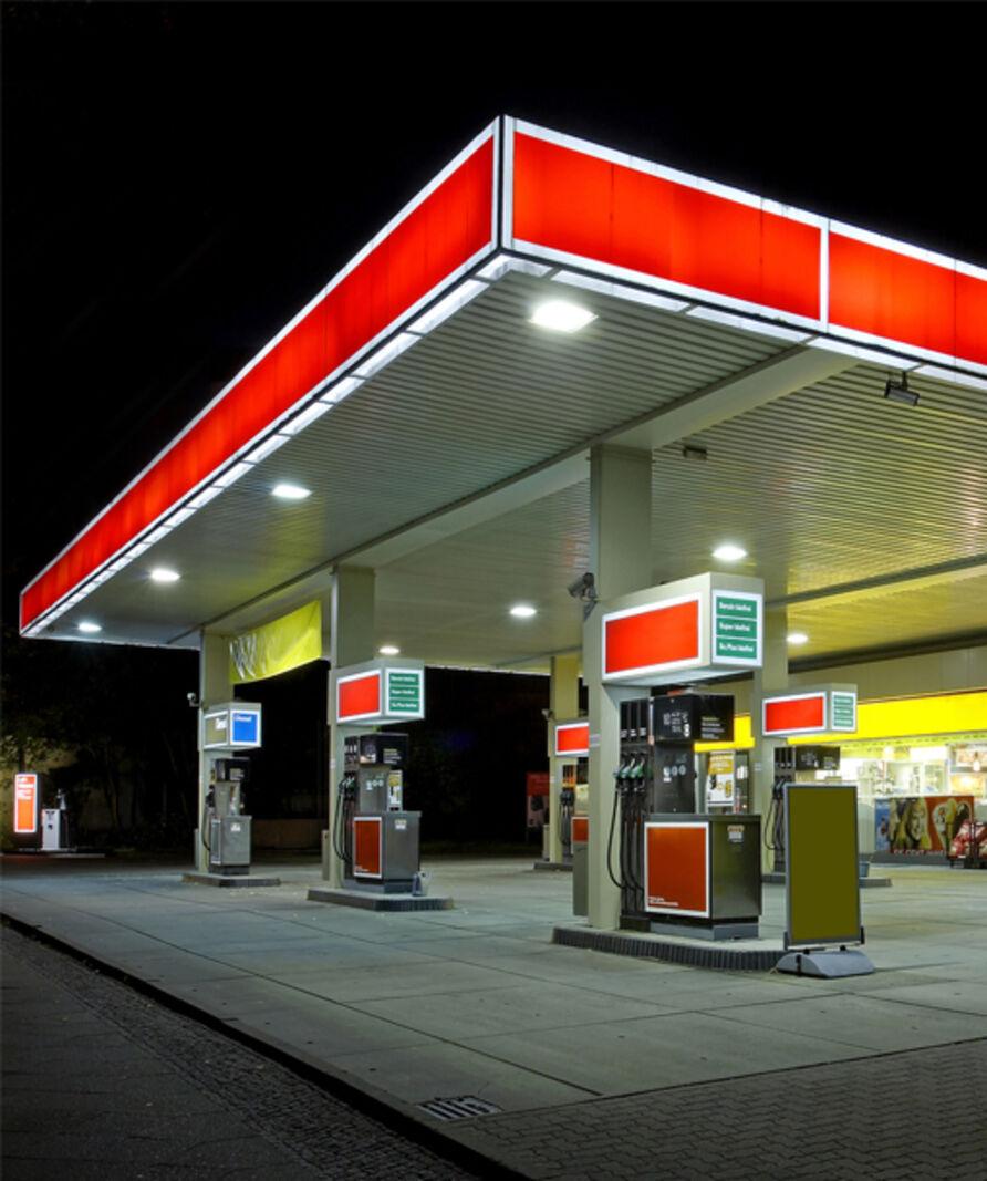 impianto a LED per aree di servizio carburante