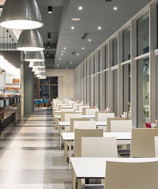 Illuminazione ristoranti impianto di illuminazione led per for Polverini arredamenti
