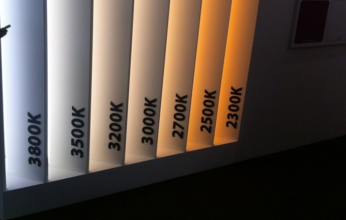 Luci Al Neon Per Ufficio.Luce Calda O Luce Fredda Su Che Basi Scegliere Impianti